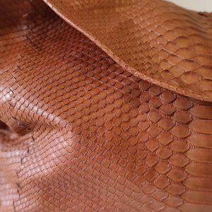 Bloomingdale's Bags - NWOT WOMENS BLOOMINGDALES BROWN PHYTON BAG*